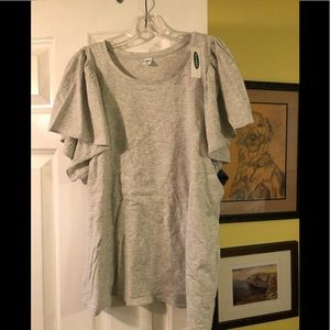 Old navy t shirt with a ruffle sleeve